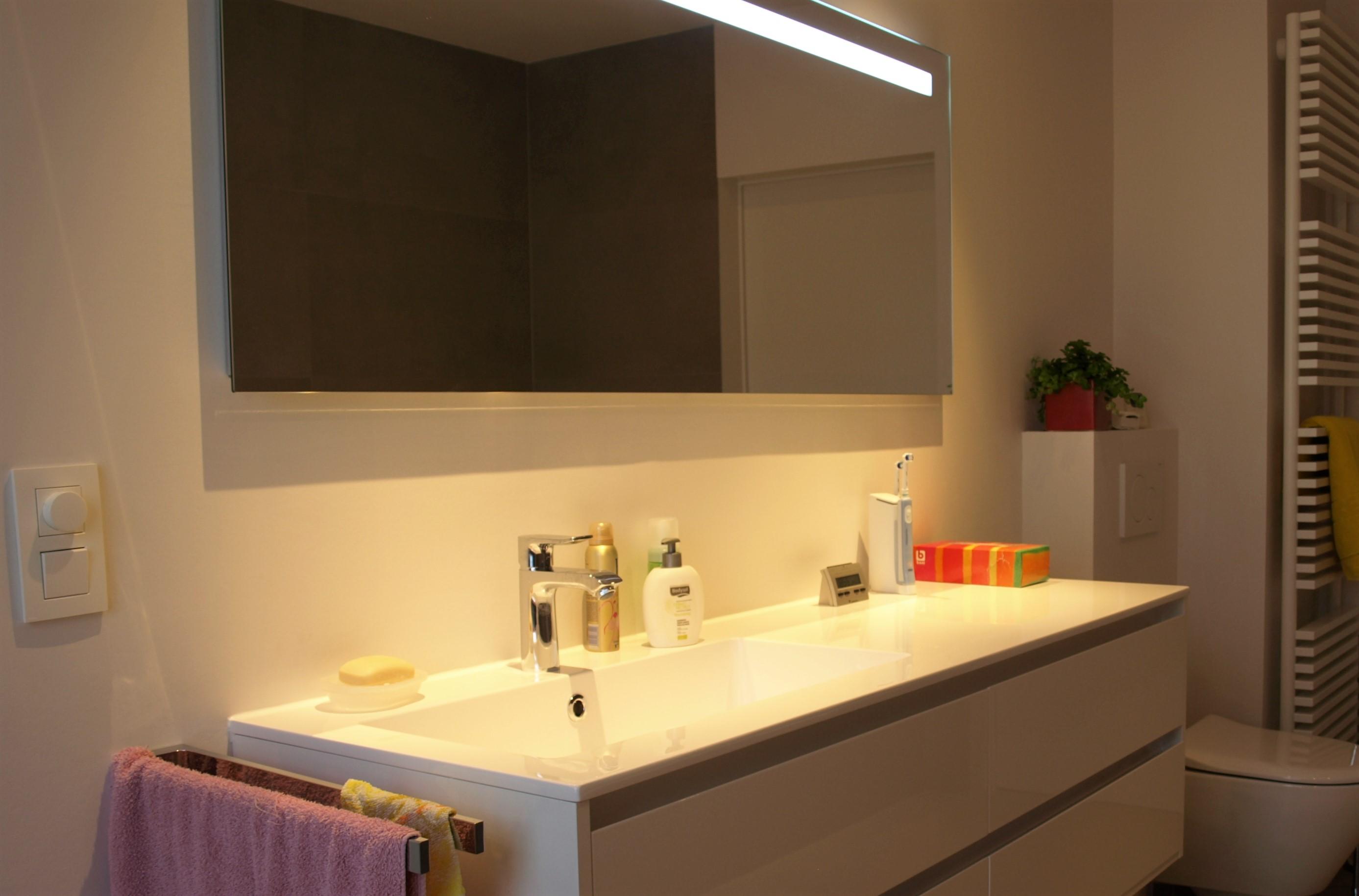 Badkamer Renoveren Douche : Badkamer renovatie met bad en douche filip lagrou